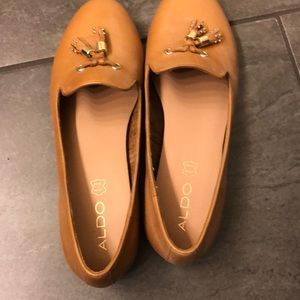 Brand new! Tan leather loafers